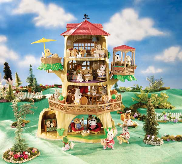 Amazon.com: Calico Critters Country Tree House: Toys & Games on