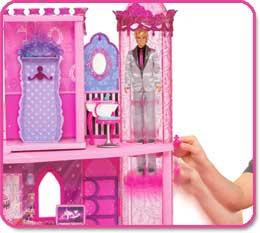 Fashion Fairytale Party Palace - moving elevator