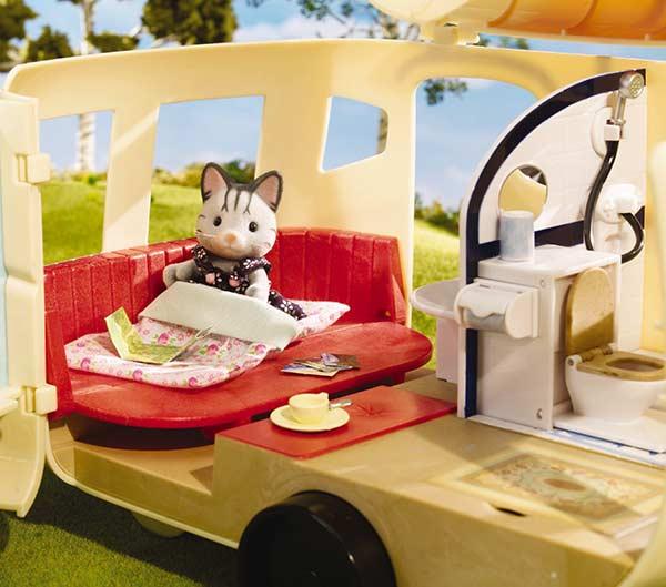 Amazon.com: Calico Critters Caravan Family Camper: Toys