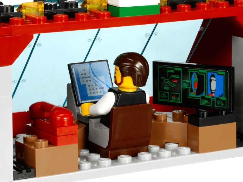 Amazon.com: LEGO Space Center 3368: Toys & Games