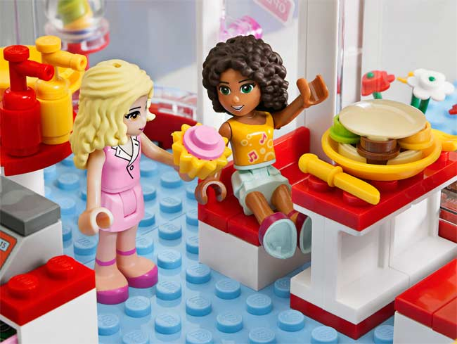 Amazon.com: LEGO Friends City Park Cafe 3061: Toys & Games