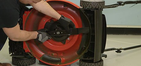 What to do before sharpening a lawn mower blade