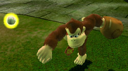 Donkey Kong throwing in a ball from the outfield in 'Mario Super Sluggers'