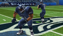 Exagerrated on-screen player design in 'Madden NFL 10'