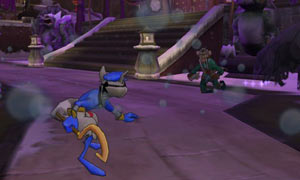 Sly Cooper about to engage an enemy in battle in The Sly Collection