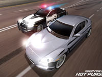 Racer being chased in Need For Speed: Hot Pursuit for Wii