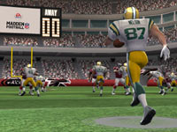 The Super Bowl champion Green Bay Packers running the ball on offense in Madden NFL Football 3DS