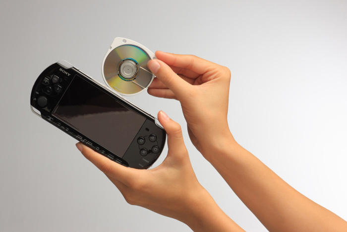 Amazon.com: PlayStation Portable Limited Edition MLB 11