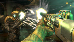 Battling a Big Daddy in 'BioShock'