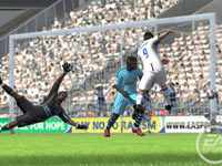 A shot on goal at close range and in traffic in FIFA Soccer 10