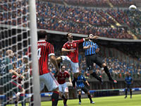 Going for a header in front of the goal in FIFA 13
