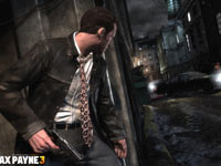 Max sneeking up on enemies in Max Payne 3