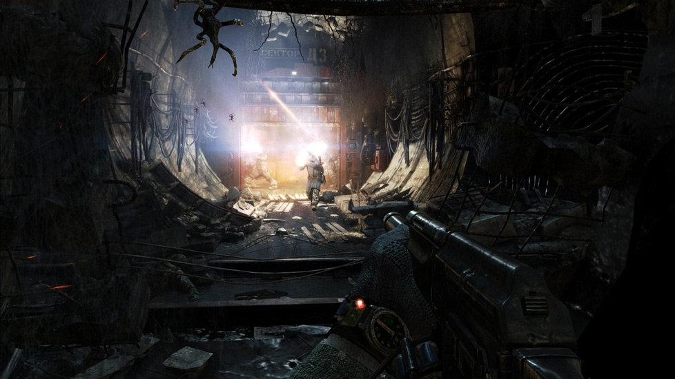 Keeping An Eye On Ammo And Available Air During Combat In Metro Last Light