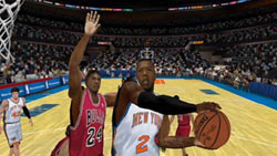 Knicks player cutting to the hoop with the Bulls in pursuit in NBA 2K10