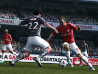 Working the ball against a defender in Pro Evolution Soccer 2012