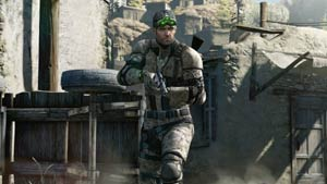 Sam Fisher in the open with gun drawn in Tom Clancy's Splinter Cell Blacklist
