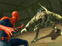 Spider-Man sizing up Iguana in The Amazing Spider-Man