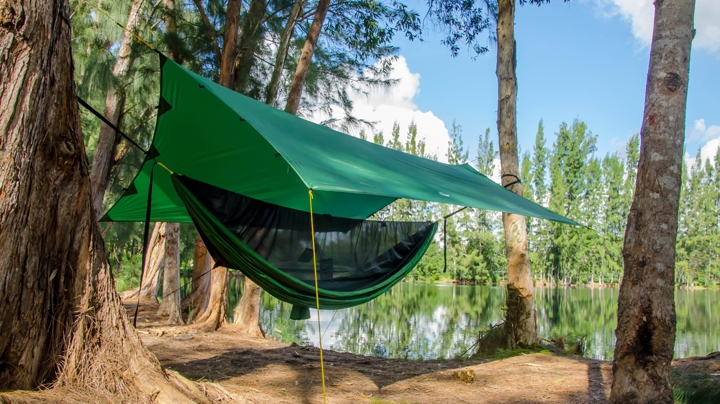 an unbeatable value amazon     go outfitters apex camping shelter hammock tarp      rh   amazon
