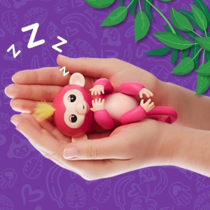 Amazon Com Fingerlings Interactive Baby Monkey Zoe