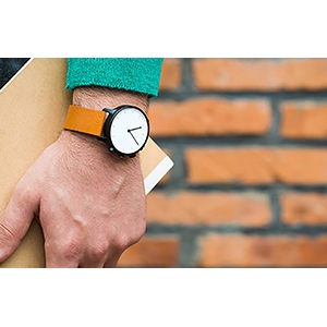 Amazon.com: Nevo Smartwatch for - Retail Packaging - Silver Case