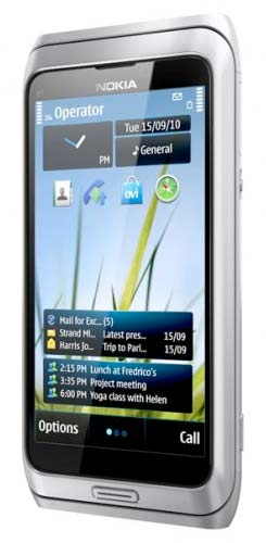 Nokia E7 in silver