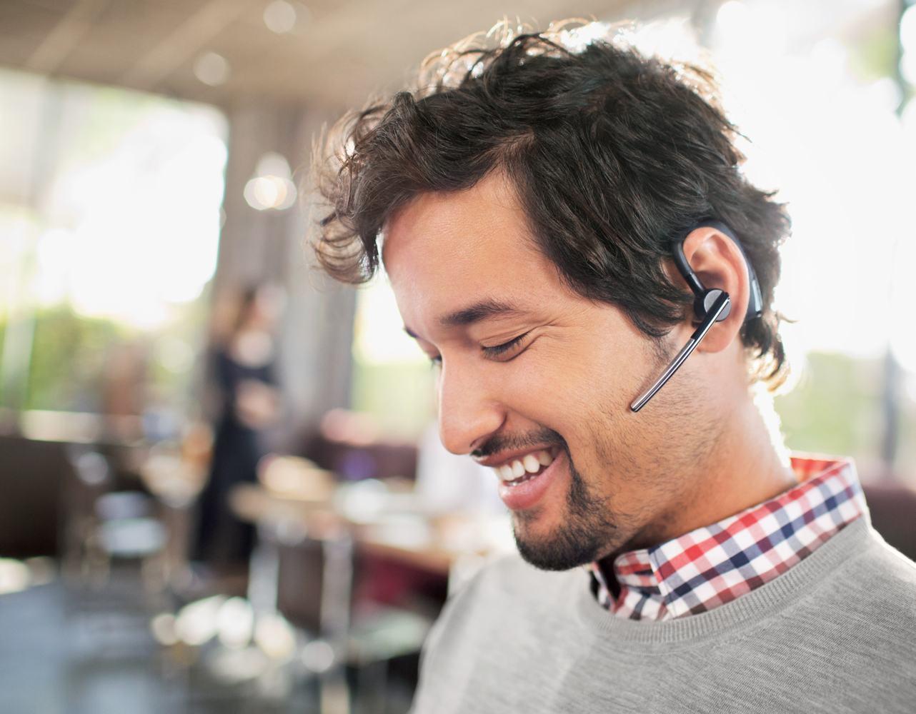 Amazon.com: Plantronics Voyager Legend Wireless Bluetooth