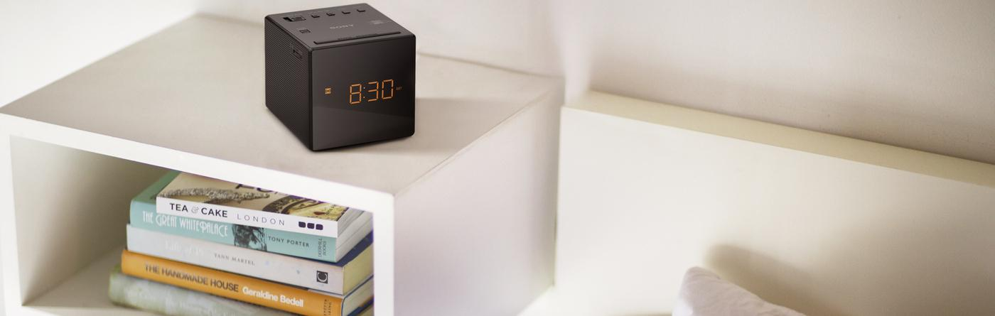 sony icf c1t fm am dual alarm clock radio with mirror finish black tv. Black Bedroom Furniture Sets. Home Design Ideas