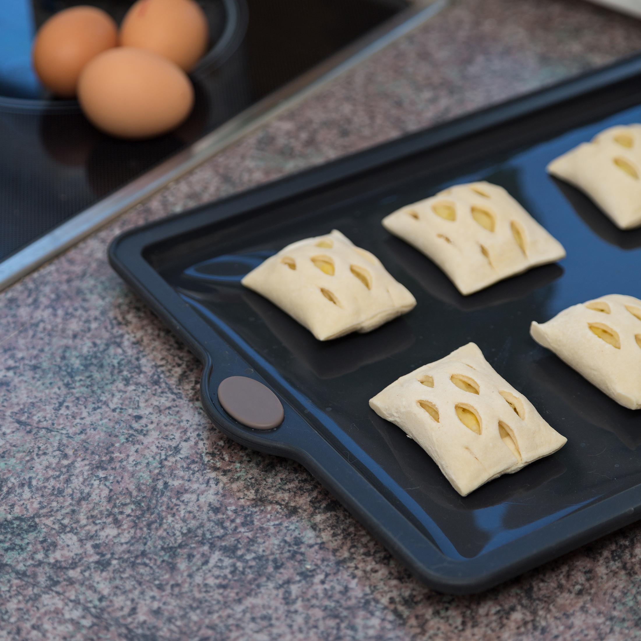 Levivo Silicone Baking Pan 26 X 20 Cm Non Stick Cake Pan