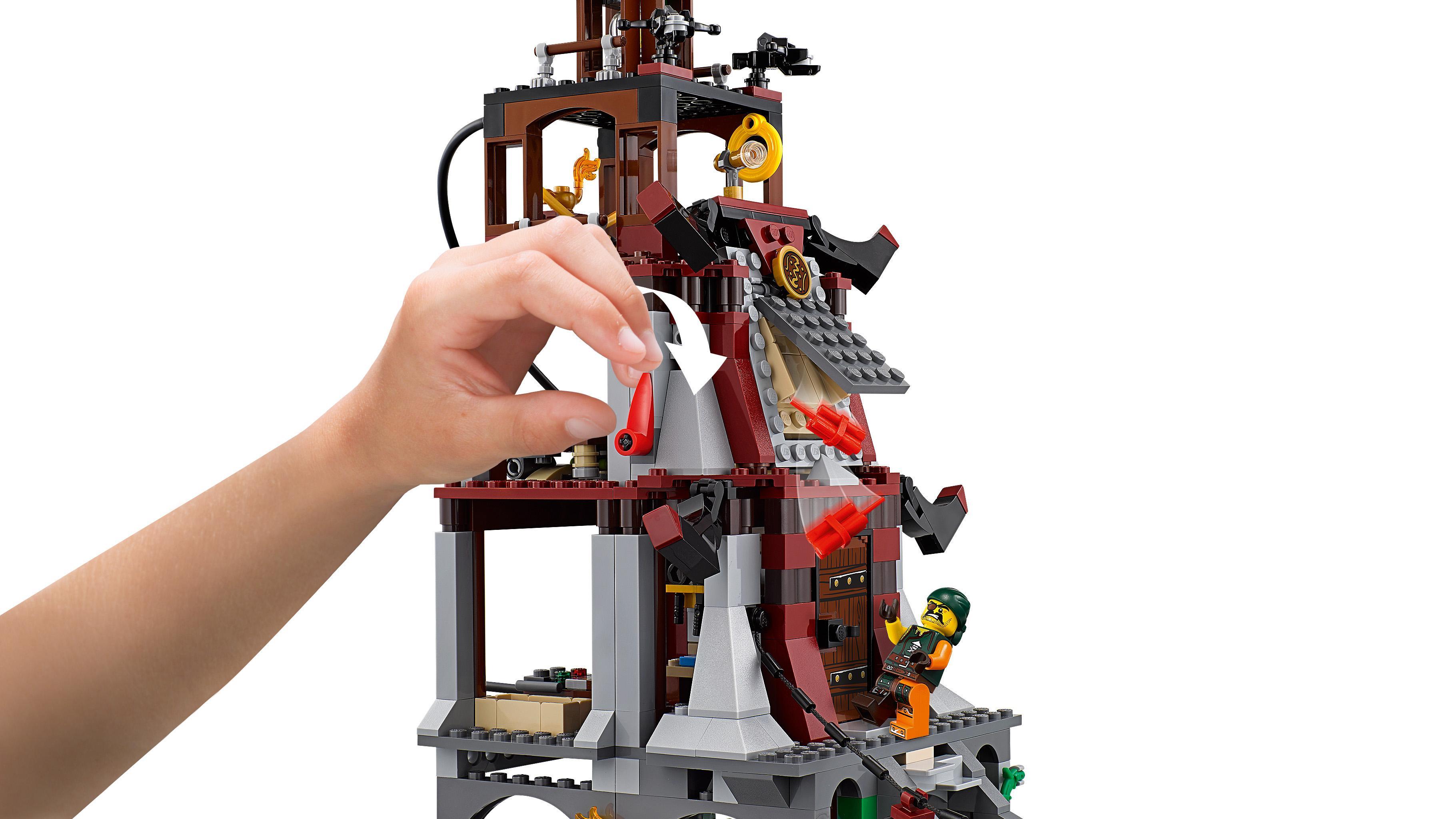 Lego 70594 ninjago the lighthouse siege building set - Plus belle construction lego ...
