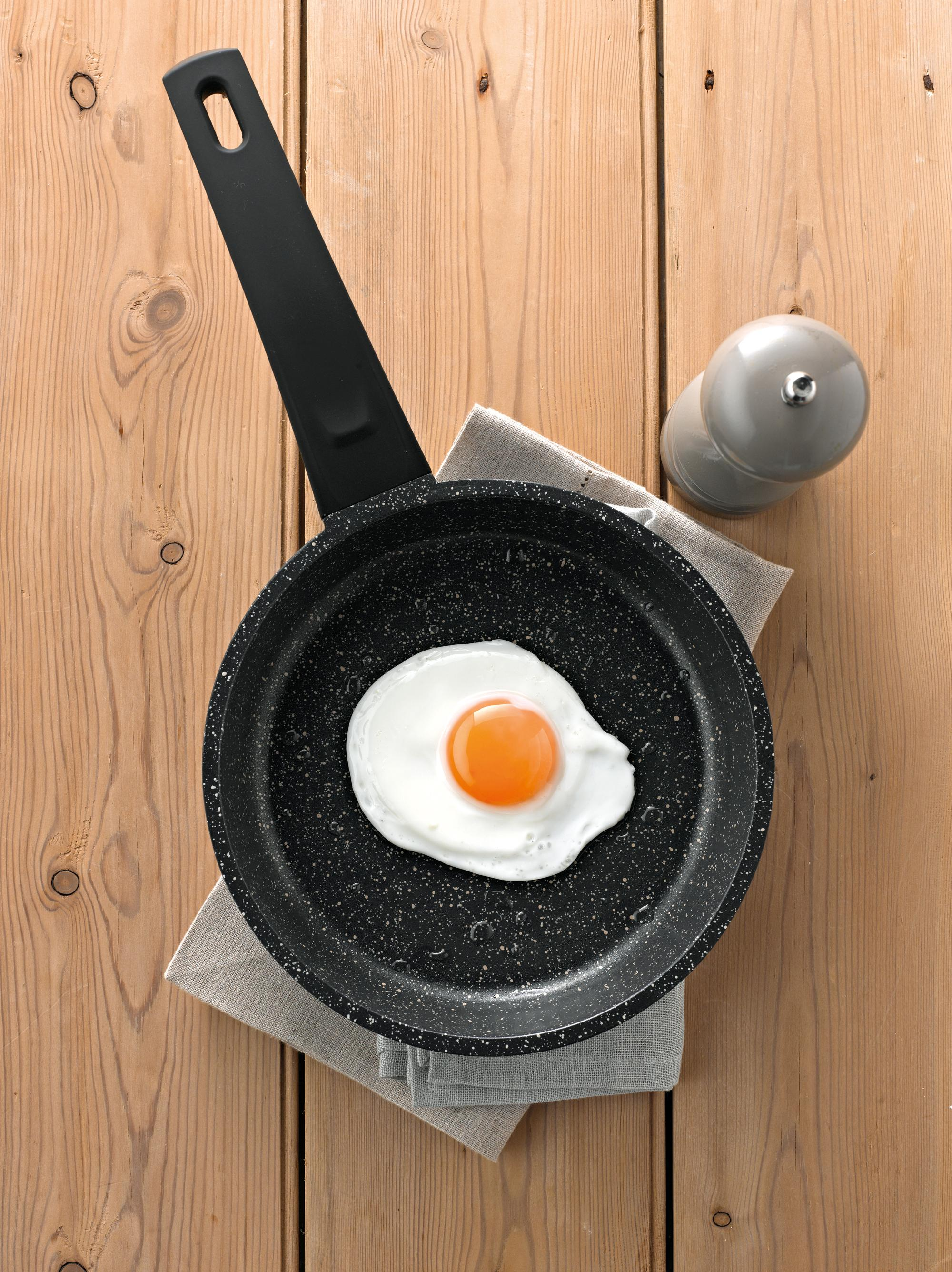 Prestige Stone Quartz 24 Cm Skillet Black Amazon Co Uk