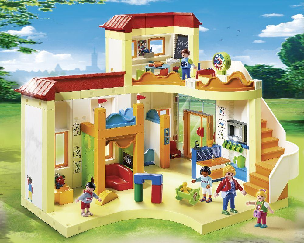 Playmobil 5567 city life sunshine preschool toys games for Maison moderne playmobil