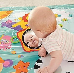 fisher price cbj65 gro e spiel und krabbeldecke mit tiermotiven und babyspielzeug 1 x m. Black Bedroom Furniture Sets. Home Design Ideas