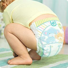 Как менять подгузник ребенку старше года: советы родителей