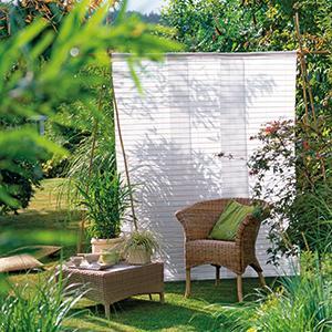 sichtschutz f r den garten design ideen von klassisch bis. Black Bedroom Furniture Sets. Home Design Ideas