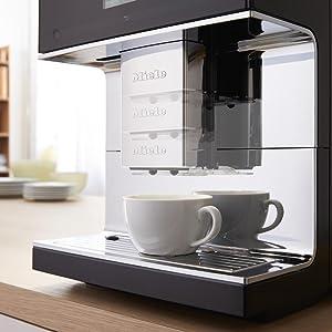 miele cm 7300 kaffeevollautomat kaffee und tee zubereitung tassenw rmer 10. Black Bedroom Furniture Sets. Home Design Ideas