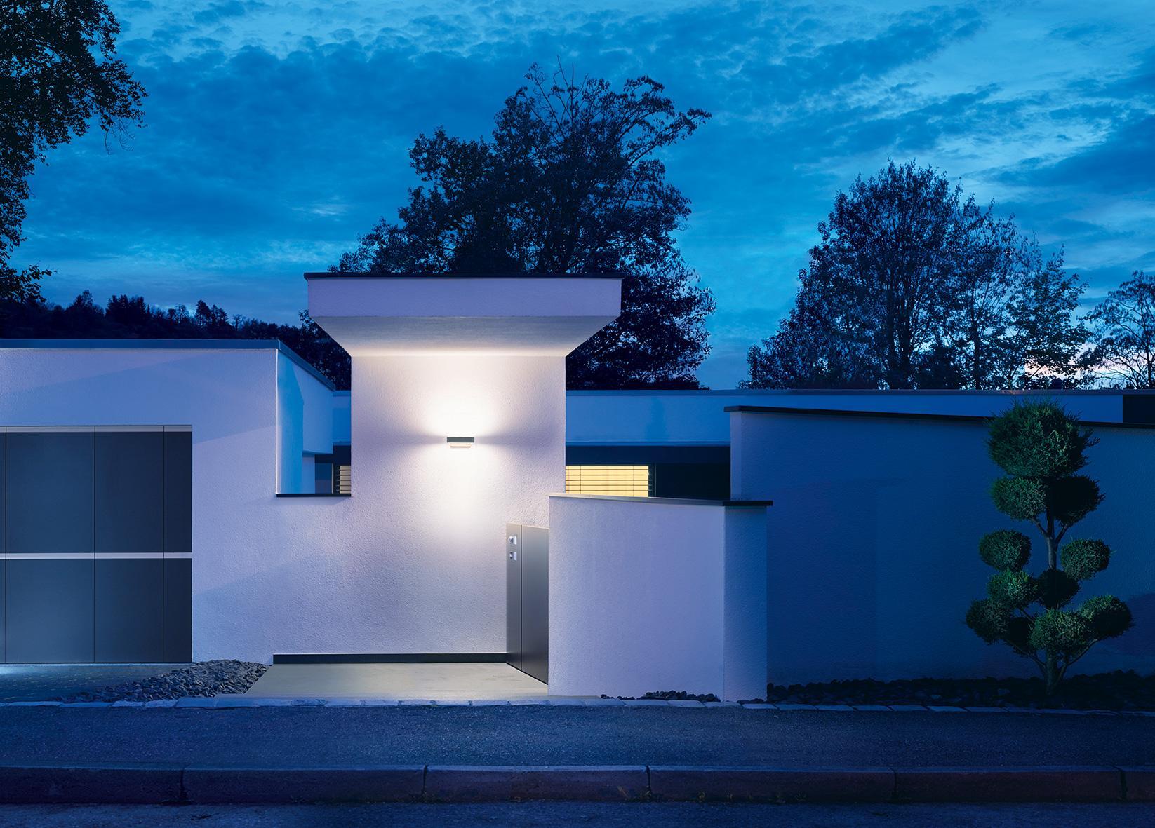 steinel up downlight l 810 led ihf wei sensor au enleuchte mit 12 5 watt leds und 612 lumen. Black Bedroom Furniture Sets. Home Design Ideas