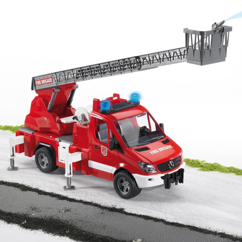 Bruder Spielwaren 2771 - Bruder Man Feuerwehr mit