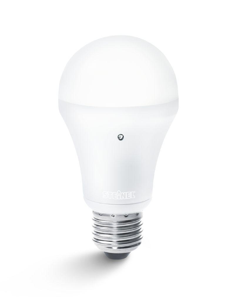 Steinel LED Lampe SensorLight 6 W mit Dämmerungsautomatik, E27 ...