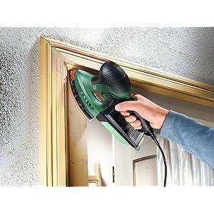 Der Multischleifer PSM 200 AES ist ideal für Ecken, Kanten und vor allem Überkopf-Arbeiten.