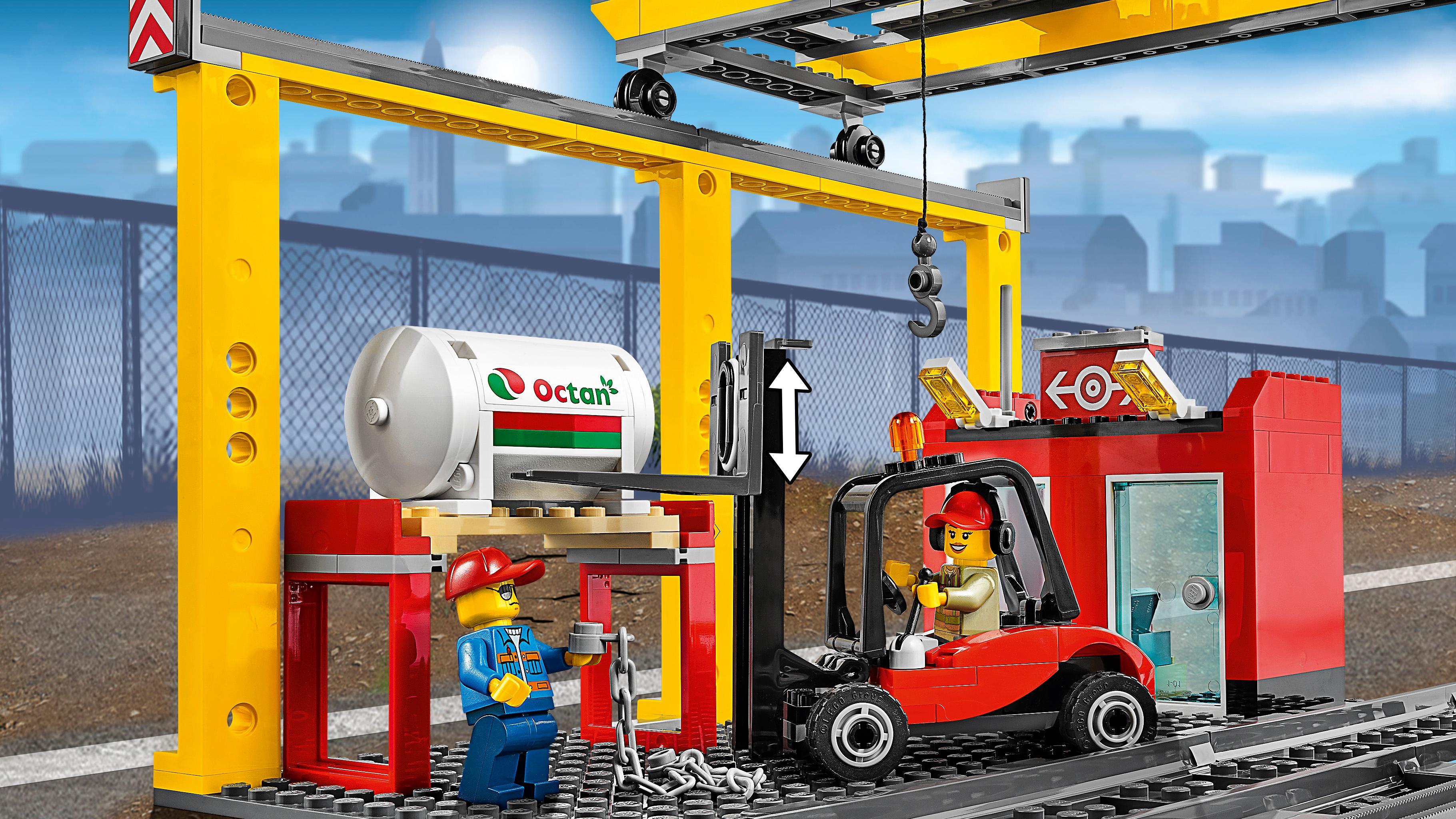 LEGO City 60052 - Güterzug Spielzeug: Amazon.de: Spielzeug