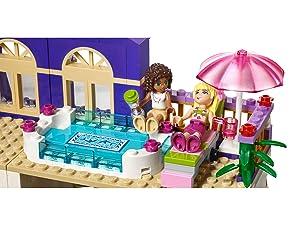 Lego Friends 41101 Heartlake Grosses Hotel Amazon De Spielzeug