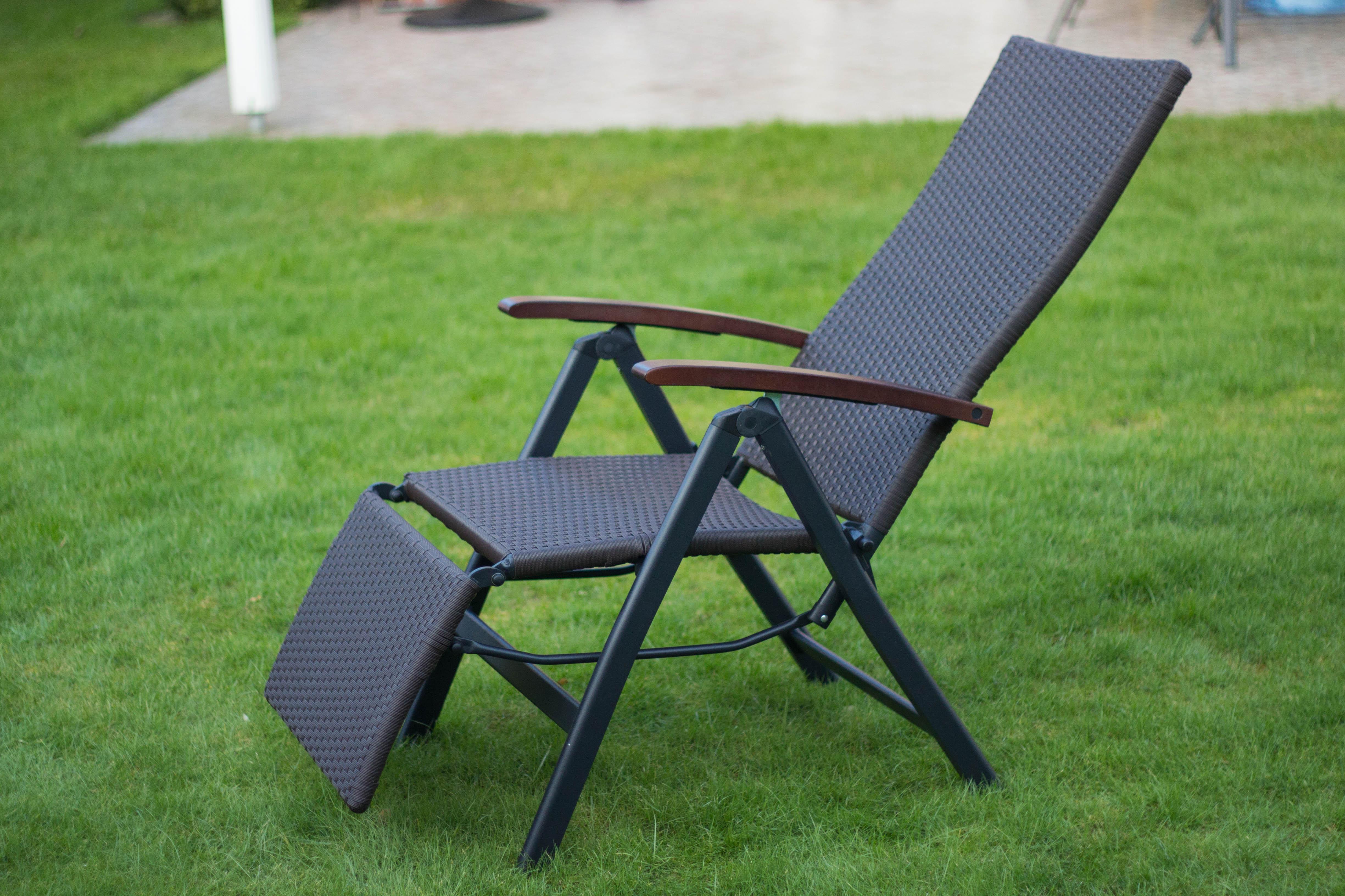 vanage gartenstuhl mit fu ablage in braun klappstuhl gs gepr ft verstellbar. Black Bedroom Furniture Sets. Home Design Ideas