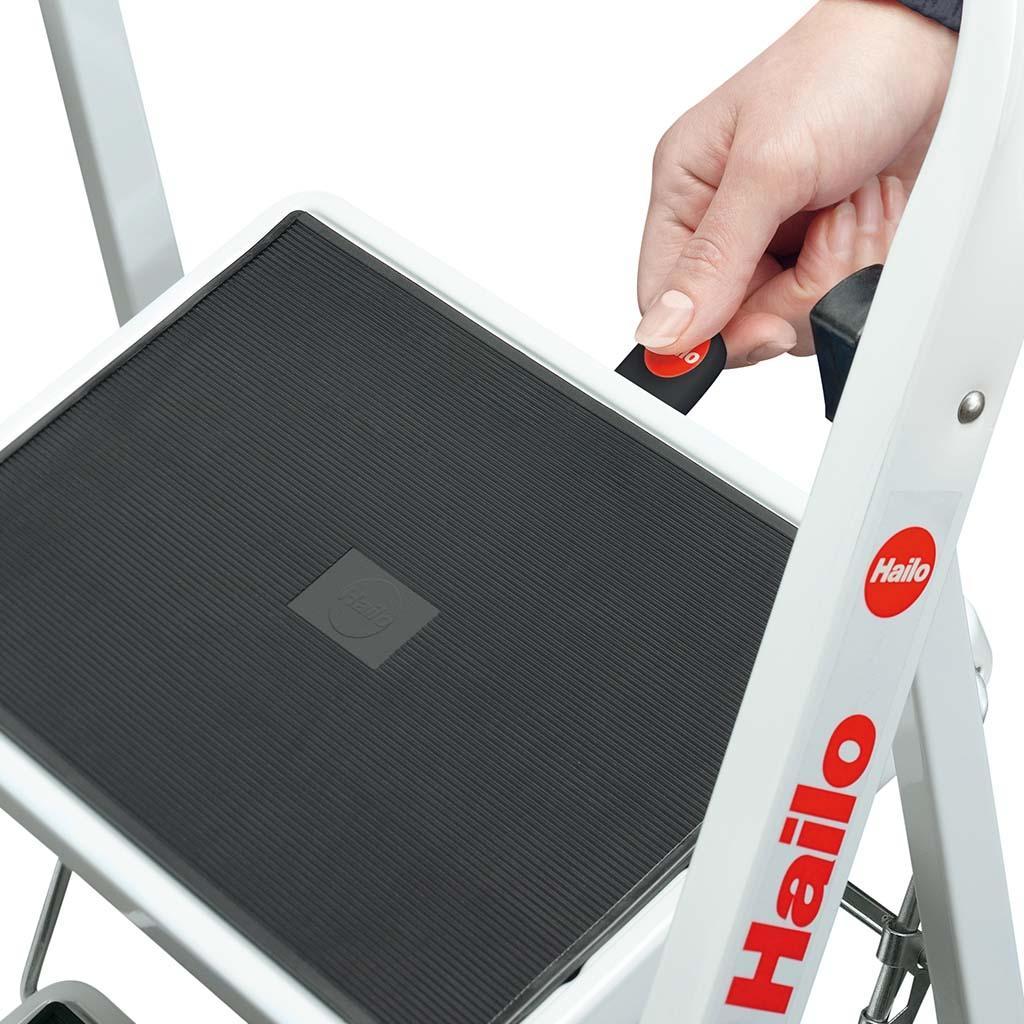 Hailo Stahl Klapptritt K20 weiss mit Anti Rutschmatten