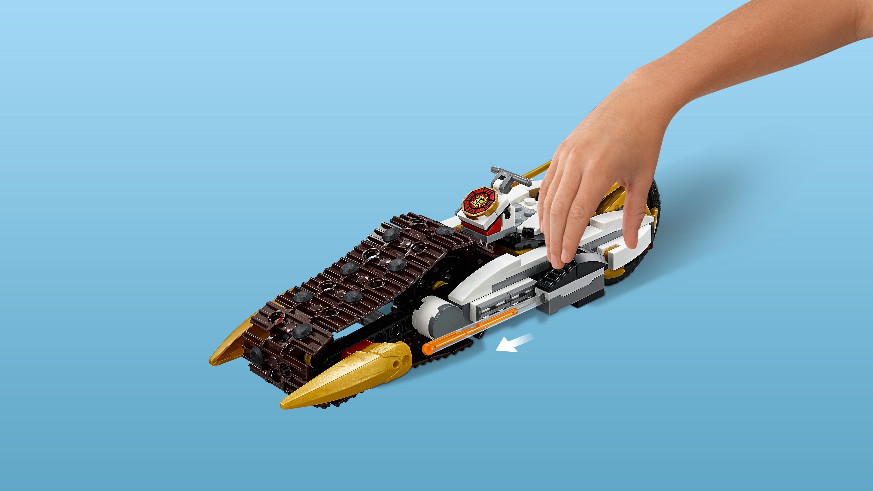 lego ninjago 70595 ultra tarnkappen fahrzeug spielzeug f r neun j hrige kinder. Black Bedroom Furniture Sets. Home Design Ideas