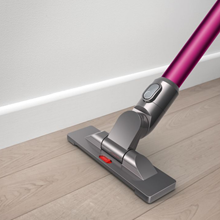 dyson v6 absolute kabelloser staubsauger. Black Bedroom Furniture Sets. Home Design Ideas