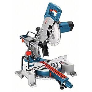 Die Paneelsäge GCM 800 SJ Professional ist das kompakte Leichtgewicht für Standardschnitte