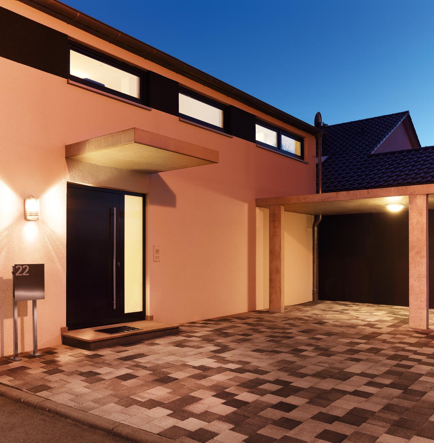 Steinel sensor au enleuchte l 170 s edelstahl laternen leuchte im klassischen design mit 180 - Vender garaje ...