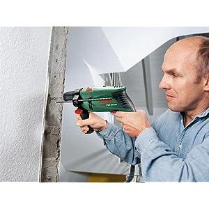 Die kompakte Schlagbohrmaschine PSB 650 RE erfüllt auch größte Kraftanforderungen.