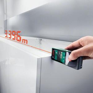 Mit dem PLR 50 C lassen sich Längen von bis zu 50 Metern messen.