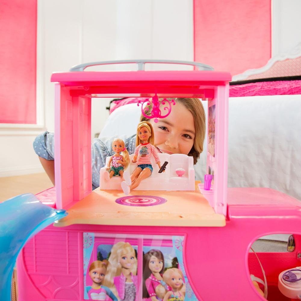 mattel barbie cjt42 das gro e hundeabenteuer super ferien camper spielzeug. Black Bedroom Furniture Sets. Home Design Ideas